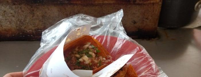 Tacos de Birria - La Esquina is one of Lugares favoritos de Robin.