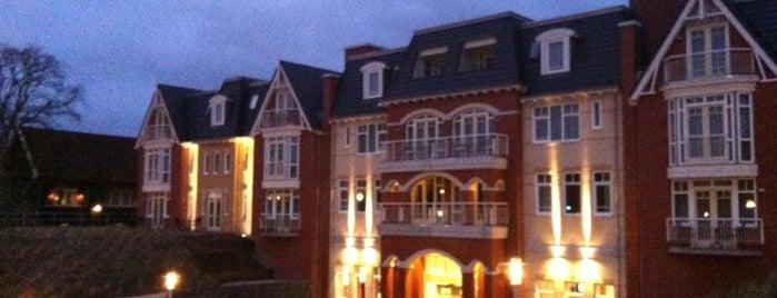 Grand Hotel Ter Duin is one of สถานที่ที่ Gordon ถูกใจ.