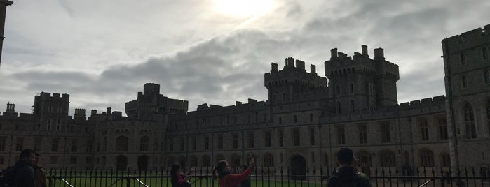 Windsor Castle is one of Locais curtidos por Karen.