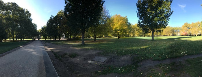 Green Park is one of Posti che sono piaciuti a Karen.