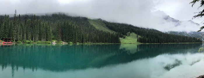 Emerald Lake is one of Locais curtidos por Karen.