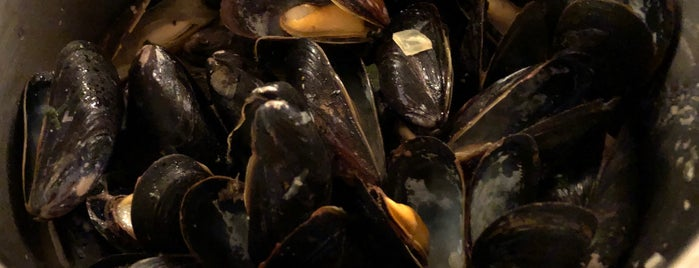 Flex Mussels is one of Locais curtidos por Karen.