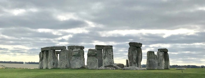 Stonehenge is one of Locais curtidos por Karen.