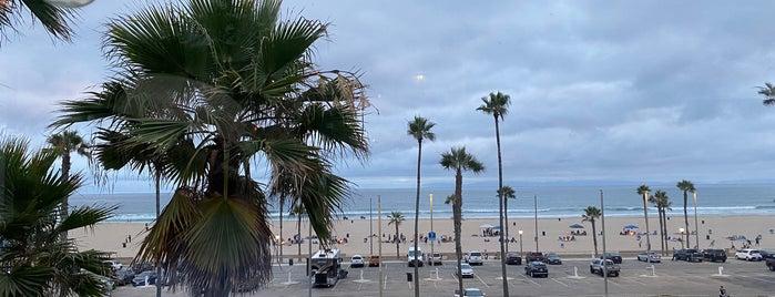 The Bungalow Huntington Beach is one of Lieux qui ont plu à Dan.