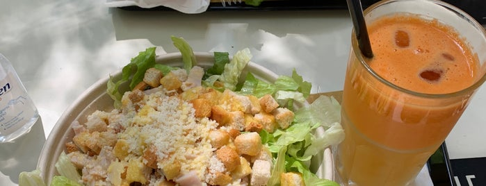 Fratelli De Luca Salad & Juice Bar is one of Rome | Street Food out-of-street.