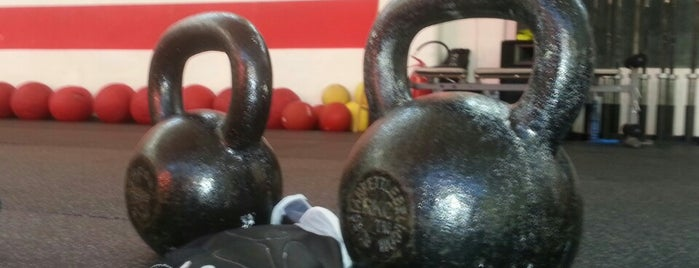 Cross Training Studio is one of Pavia: sport.