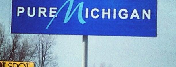 Michigan / Ohio State Line is one of Posti che sono piaciuti a Andrew.