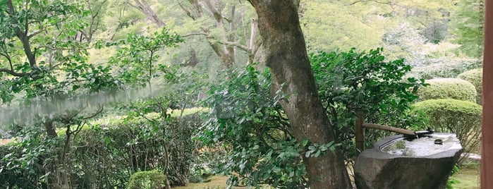清水寺 成就院 月の庭 is one of 西郷どんゆかりのスポット.