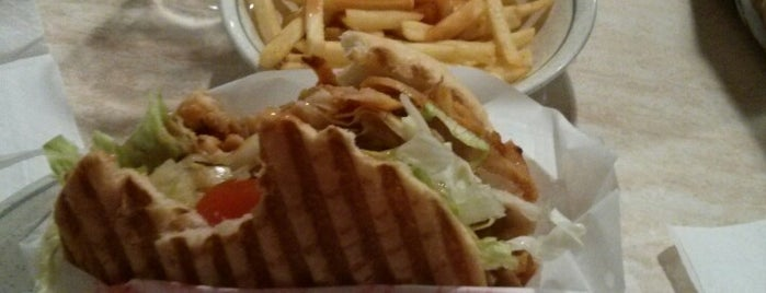 Efes Donner Kebab is one of Comer en Prosperity Valley.