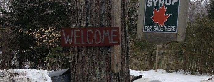 Nutkin Knoll Farms is one of Posti che sono piaciuti a Dana.