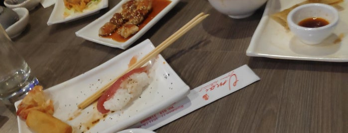 Umai Sushi &Grill is one of Lugares favoritos de Thomas.