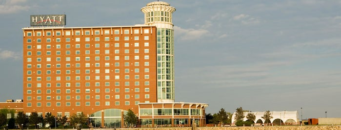 Hyatt Regency Boston Harbor is one of Locais curtidos por Leo.