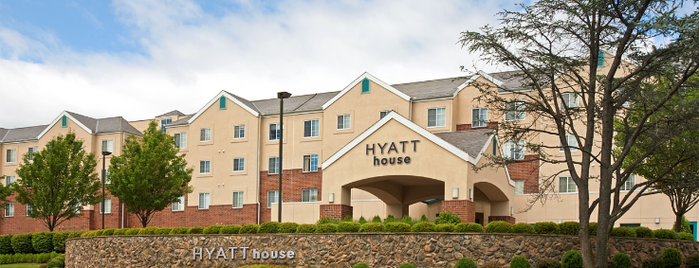 Hyatt House White Plains is one of Lieux qui ont plu à Alberto J S.