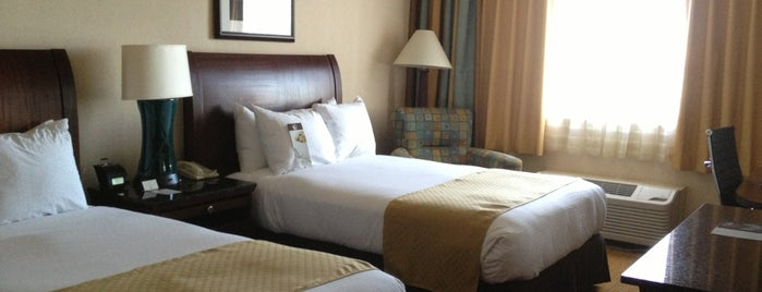 DoubleTree by Hilton is one of Lugares favoritos de Kyle.