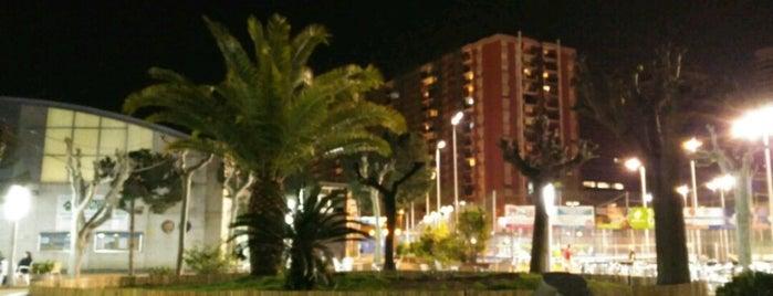 Club Natació Sant Andreu is one of joanpccom 님이 좋아한 장소.