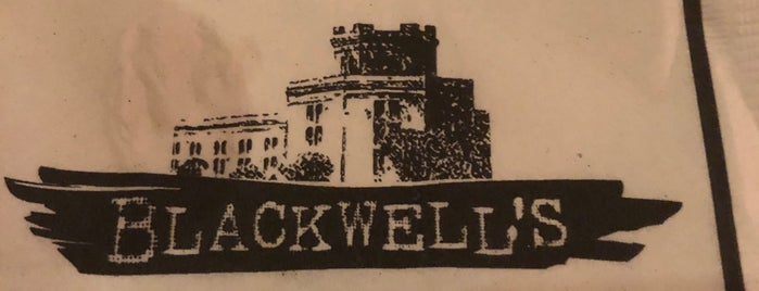 Blackwell's is one of Orte, die Sandybelle gefallen.