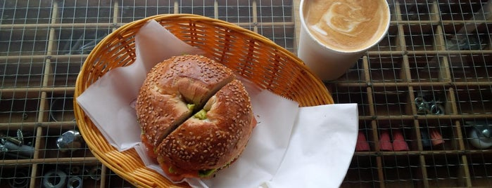 Lula Bagel is one of Erik 님이 좋아한 장소.