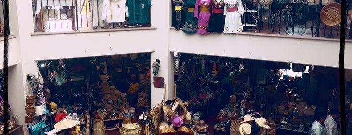 Mercado Artesanal Telésforo Trejo Uribe is one of Tempat yang Disukai Jose.