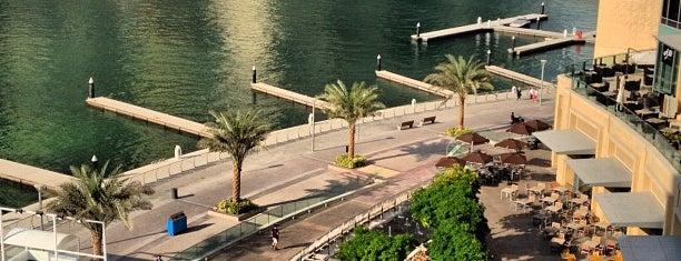 Dubai Marina Mall is one of Cristi'nin Beğendiği Mekanlar.