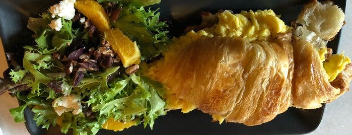 Levure Bakery & Patisserie is one of Tempat yang Disukai Stephania.
