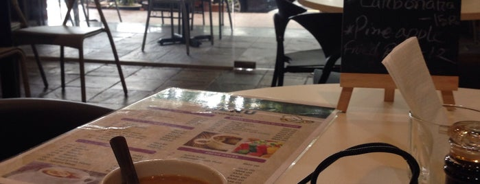 TTDI Murni Cafe is one of Rahmat : понравившиеся места.