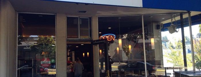 cafe bollywood is one of สถานที่ที่ Abomutaz Alrasheed ถูกใจ.