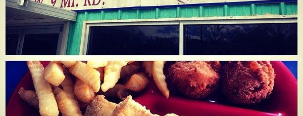 Gulf Coast Seafood Deli is one of Lugares favoritos de Justin.