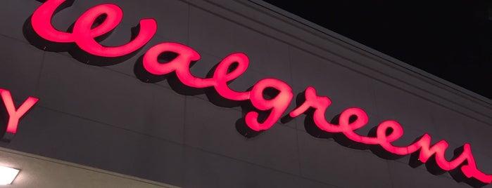 Walgreens is one of Tempat yang Disukai Trey.