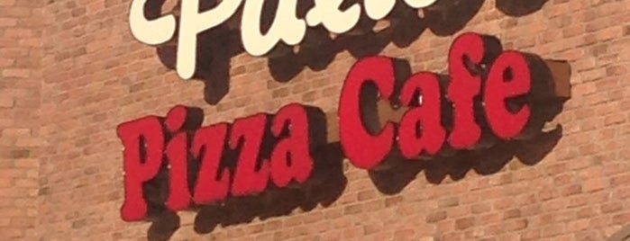 Palio's Pizza Cafe is one of Orte, die Angela gefallen.