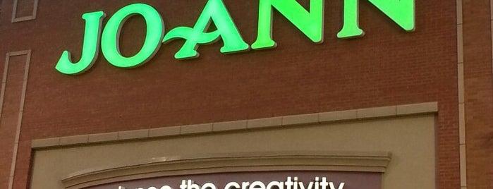 JOANN Fabrics and Crafts is one of สถานที่ที่ David ถูกใจ.