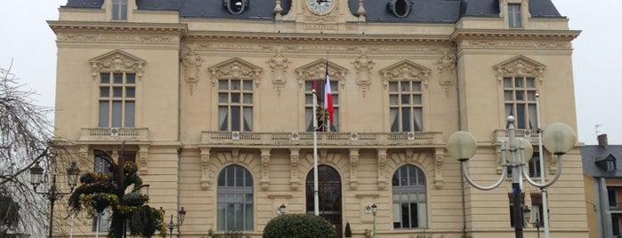 Hôtel de Ville de Tarbes is one of Tarbes.