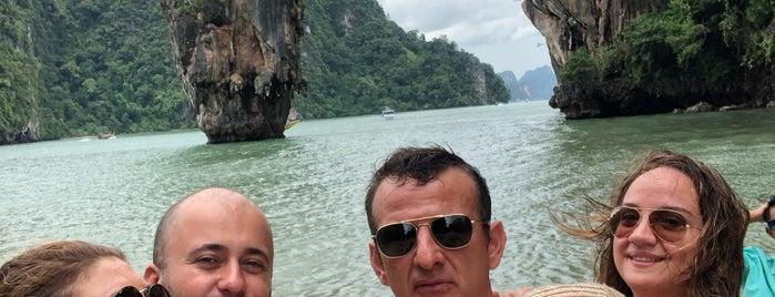 Koh Tapu (James Bond Island) is one of Lugares favoritos de Celal.