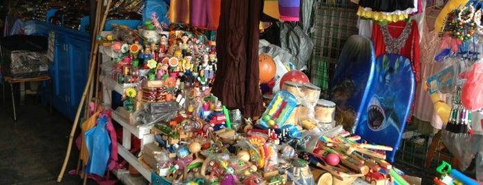 """Mercado de Artesanías """"La Diana"""" is one of Acapulco."""