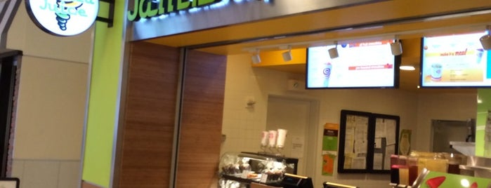 Jamba Juice is one of สถานที่ที่ Tim ถูกใจ.