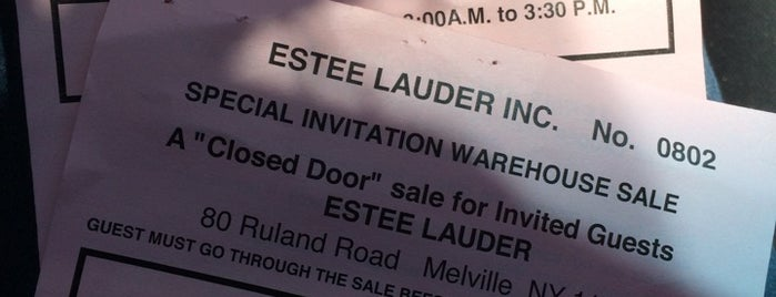 Estee Lauder Warehouse Sale is one of Suz'un Beğendiği Mekanlar.