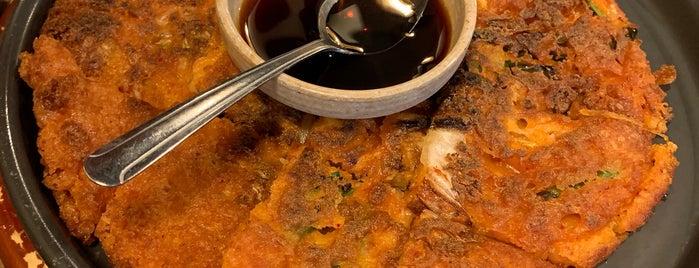 JCD Korean Restaurant is one of Locais salvos de Sangraal.