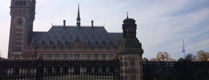 Permanent Court of Arbitration is one of Nizozemí.