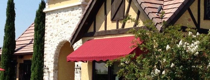 la Madeleine French Bakery & Café Round Rock is one of Posti che sono piaciuti a Kelsey.
