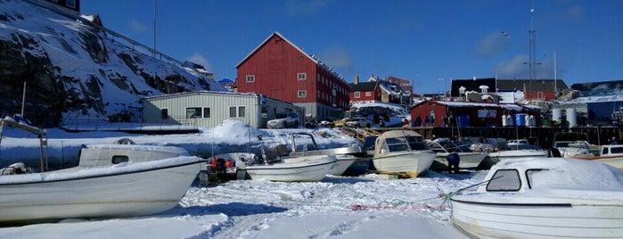 Ilulissat Harbour is one of Locais curtidos por IrmaZandl.