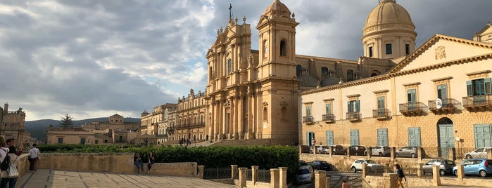 Unesco - Late Baroque Towns of the Val di Noto (South-Eastern Sicily) is one of D : понравившиеся места.