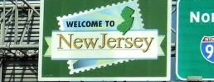Delaware / New Jersey State Border is one of Good Morning 4√ The Walton Family2 <3.