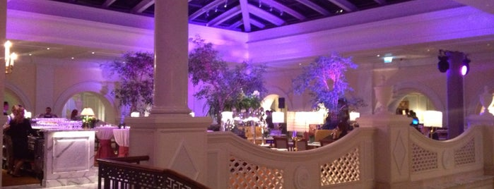 Four Seasons Hotel Lion Palace St. Petersburg is one of Orte, die Anastasia gefallen.