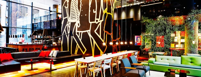 citizenM Hotel New York Times Square is one of Locais curtidos por Waleed.