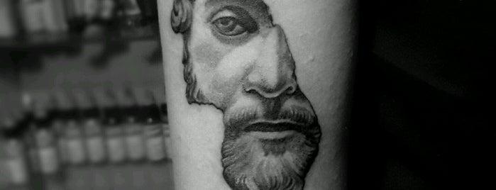 Tayfun Bilgen Tattoo&Piercing Studio is one of Orte, die Ece gefallen.