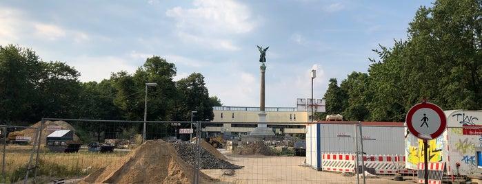 Mehringplatz is one of Berlin.