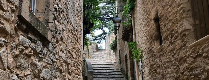 Bonnieux is one of Provence.