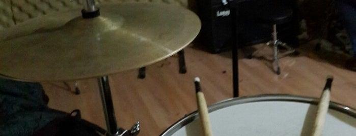 Es Müzik Prova Kayıt Stüdyosu is one of Tempat yang Disukai —Mert—.