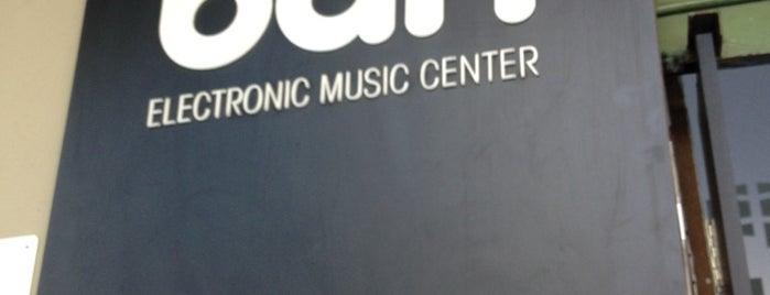 DJBan Loja, Cursos de DJ e Produção Musical is one of Orte, die Tuba gefallen.