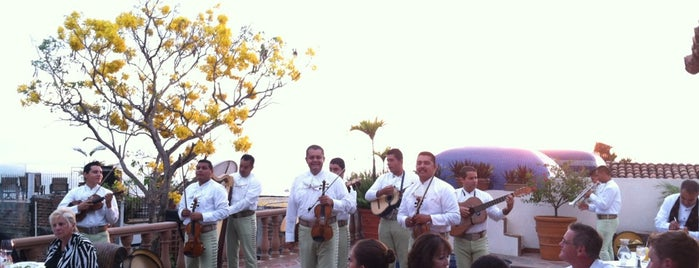Hacienda San Angel Hotel is one of Locais curtidos por Alejandro.