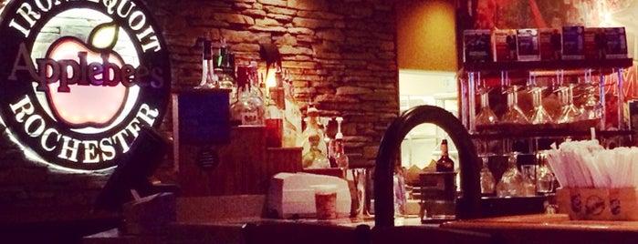 Applebee's Grill + Bar is one of Romina : понравившиеся места.